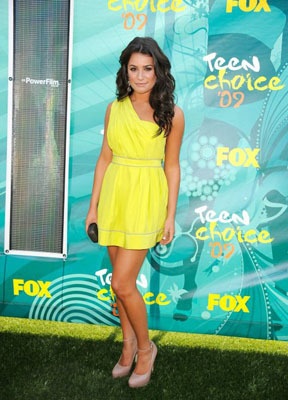 Lea loves bright colors!