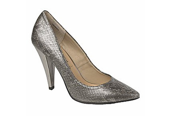 Snake court shoe from NewLook.com, $12