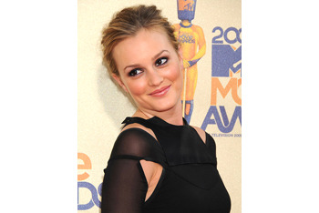 Leighton Meester loves blush for evening