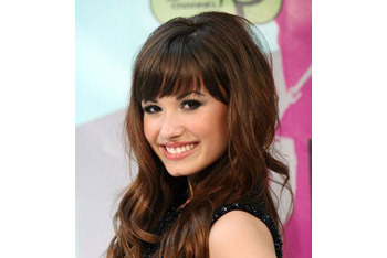 Demi Lovato blunt cut bangs