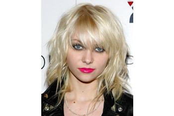 Taylor Momsen's shaggy bangs