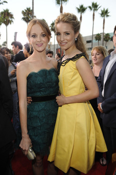 Jayma Mays and Dianna Agron
