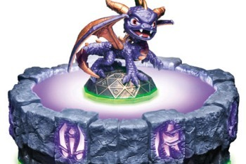 Skylanders: Spyro's Adventure Spyro toy figurine and portal