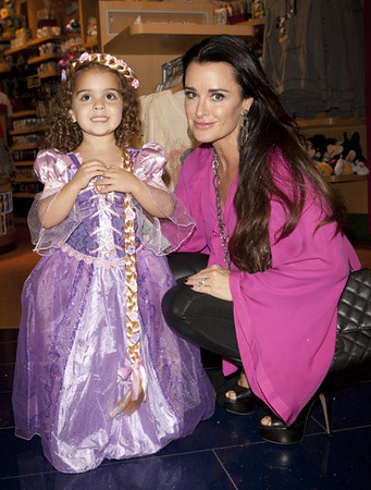 SANTA MONICA PLACE - OCTOBER 2011: Kyle Richards with her daughter, Portia, at the Disney Store Halloween BOOtique