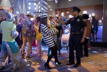 90210: Season 4, Episode 7 :: It's the Great Masquerade, Naomi Clark