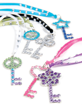 Style Me Up: Dazzling Key Pendants Toy Review