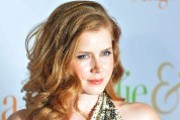 Amy Adams is a budding movie star who's stealing hearts as the leading lady in The Muppets, find out more in her Kidzworld Bio