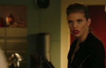 90210: Season 4, Episode 12 :: O Holly Night