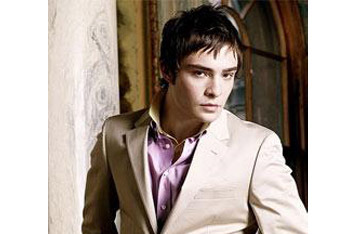 Chuck Bass in pink dress shirt
