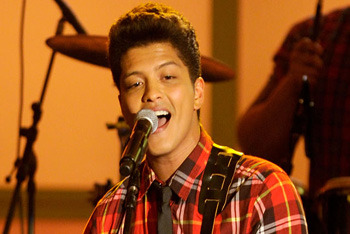 Bruno Mars Bio / Get the Look