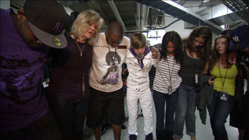 Justin praying before concert