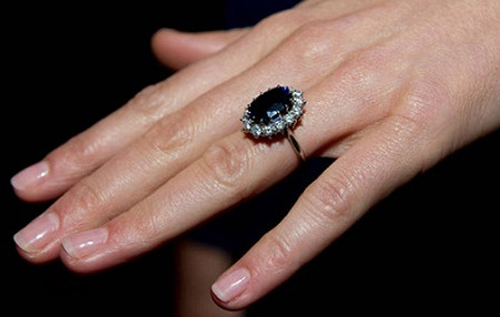 Will proposed to Kate with his mother's sapphire engagement ring