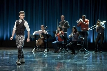 Glee: Season 2, Episode 21 :: Funeral