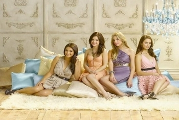 Pretty Little Liars: Season 2, Episode 1 :: It's Alive