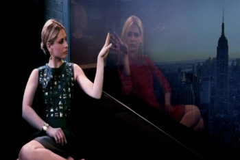 Sarah Michelle Gellar stars in The CW's new series Ringer