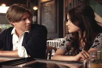Pretty Little Liars: Season 2, Episode 10 :: Touched by an 'A'-ngel