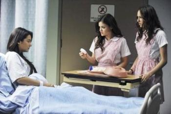 Pretty Little Liars: Season 2, Episode 8 :: Save the Date