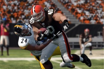 Madden NFL 12 screenshot tackle