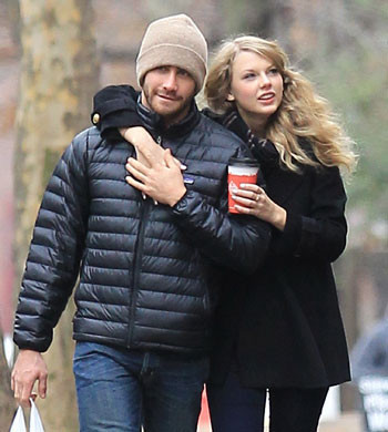 Jake Gyllenhaal and Taylor dated in late 2010