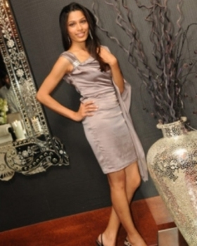 Libra Freida Pinto showing off her goddess style