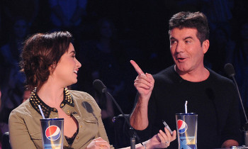 Simon called Demi