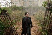 Daniel Radcliffe is Haunted by The Woman in Black