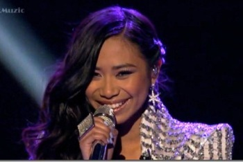 "Jessica Sanchez singing ""Stuttering"""