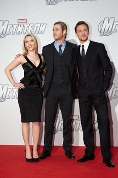 Scarlett Johansson, Chris Hemsworth and Tom Hiddleston
