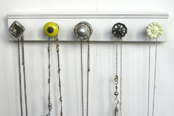 Make Your Jewelry Hanger Your Own