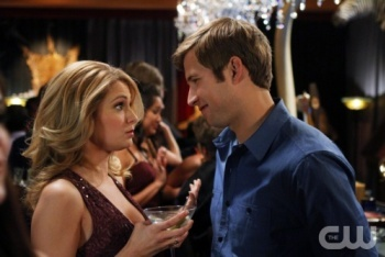90210: Season 4, Episode 23 :: A Tale of Two Parties