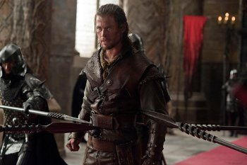 Chris Hemsworth as a Huntsman