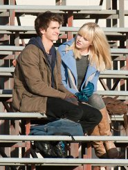 Peter Parker (Andrew Garfield) and Gwen (Emma)