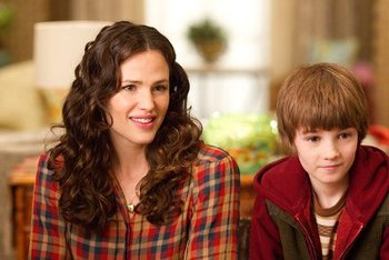 Cindy (Jennifer Garner) and Timothy (CJ Adams)