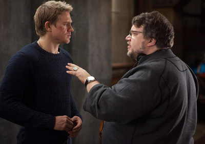 Director Del Toro talks to star Charlie Hunnam
