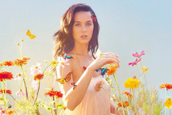 Prism shows off the many different colors of Katy!