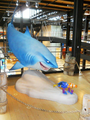 Models of Bruce the shark and Dory and Nemo