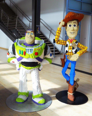 Buzz and Woody as Legos!