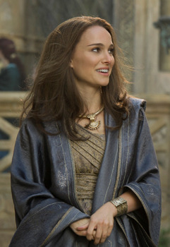 Jane (Natalie Portman) on Thor's homeworld