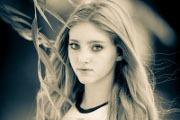 Catching Fire's Willow Shields Interview
