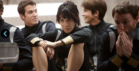 Johanna prepares to fight