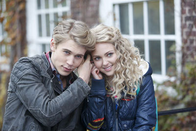 Austin Butler as Sebastian and AnnaSophia Robb as Carrie