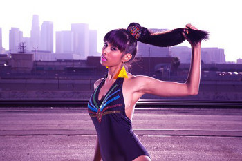 Anjulie has toured with rapper B.o.B