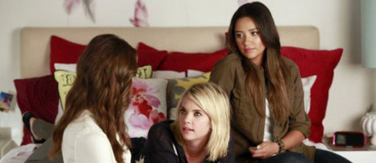 Feature pretty little liars 1 feature