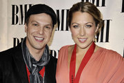 Gavin DeGraw and Colbie Caillat Perform Love Song