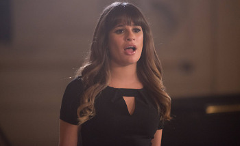 Glee: Season 4, Episode 12:: Naked