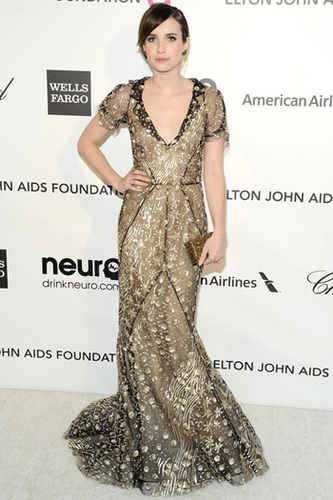Emma Roberts wearing gorgeous gold  in Oscar de la Renta