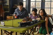 Pretty Little Liars: Season 3, Episode 21 :: Out of Sight, Out of Mind