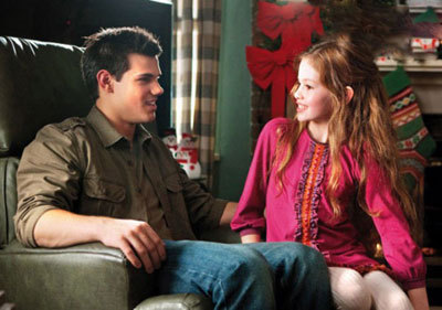 Jacob and Renesmee share Christmas