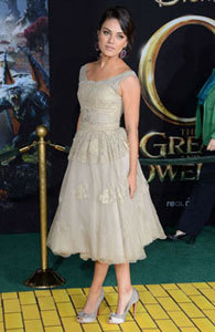 Mila at the Oz premiere