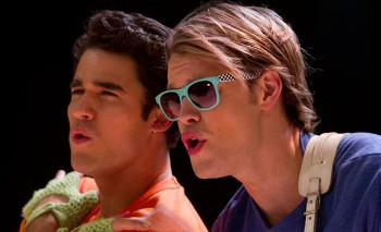 Blaine and Sam get everyone to reveal their guilty pleasures